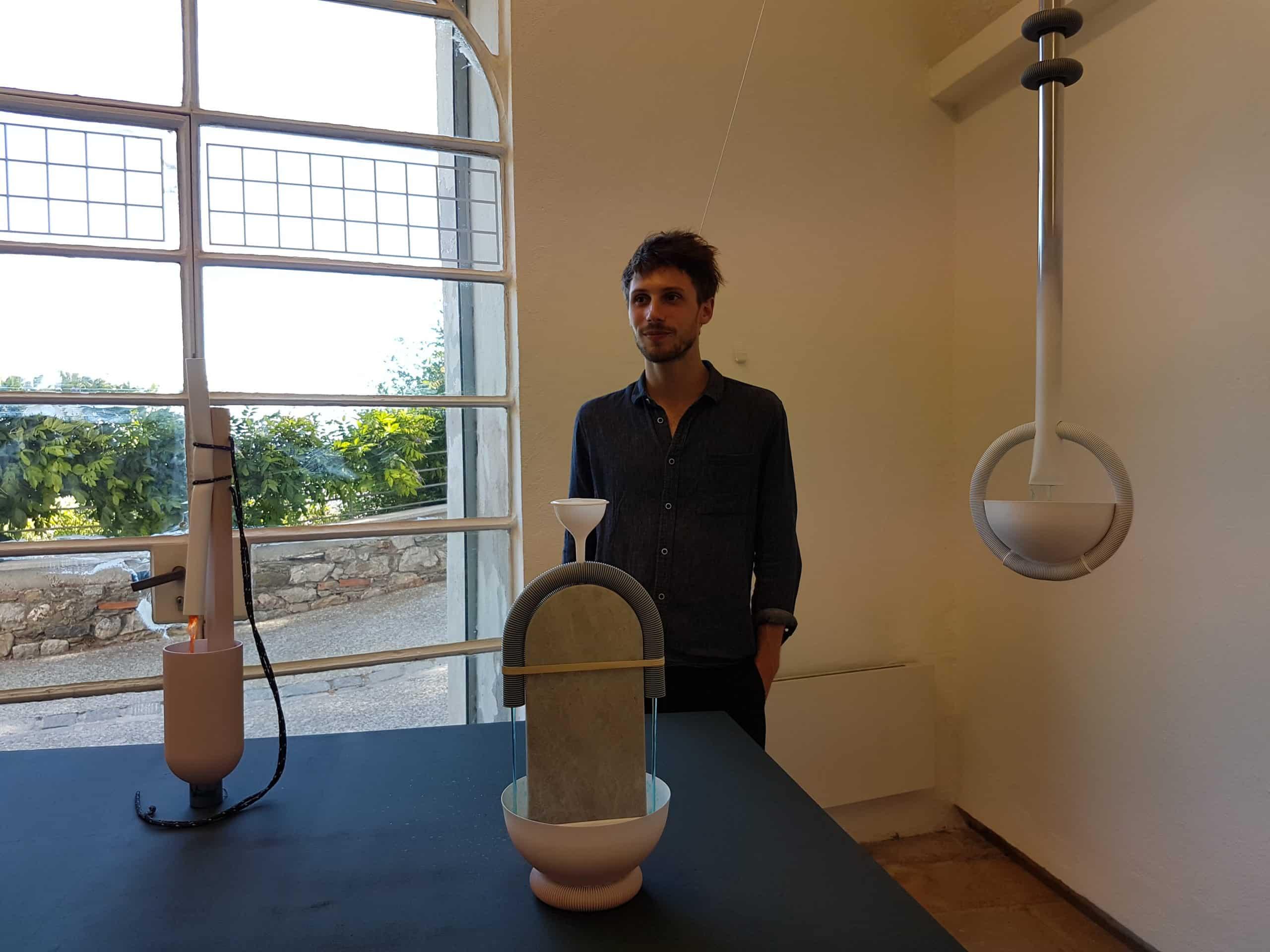 Arhur Hoffner et ses fontaines d'intérieur réalisées à partir d'objets usuels. Prix du public 2017.
