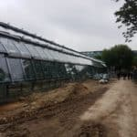 Le court des serres d'Auteuil sera livré en juillet. Les jardiniers commenceront alors à planter le jardin tropical qui entoure l'ère de jeu et sera accessible à tous hors période de tournoi.