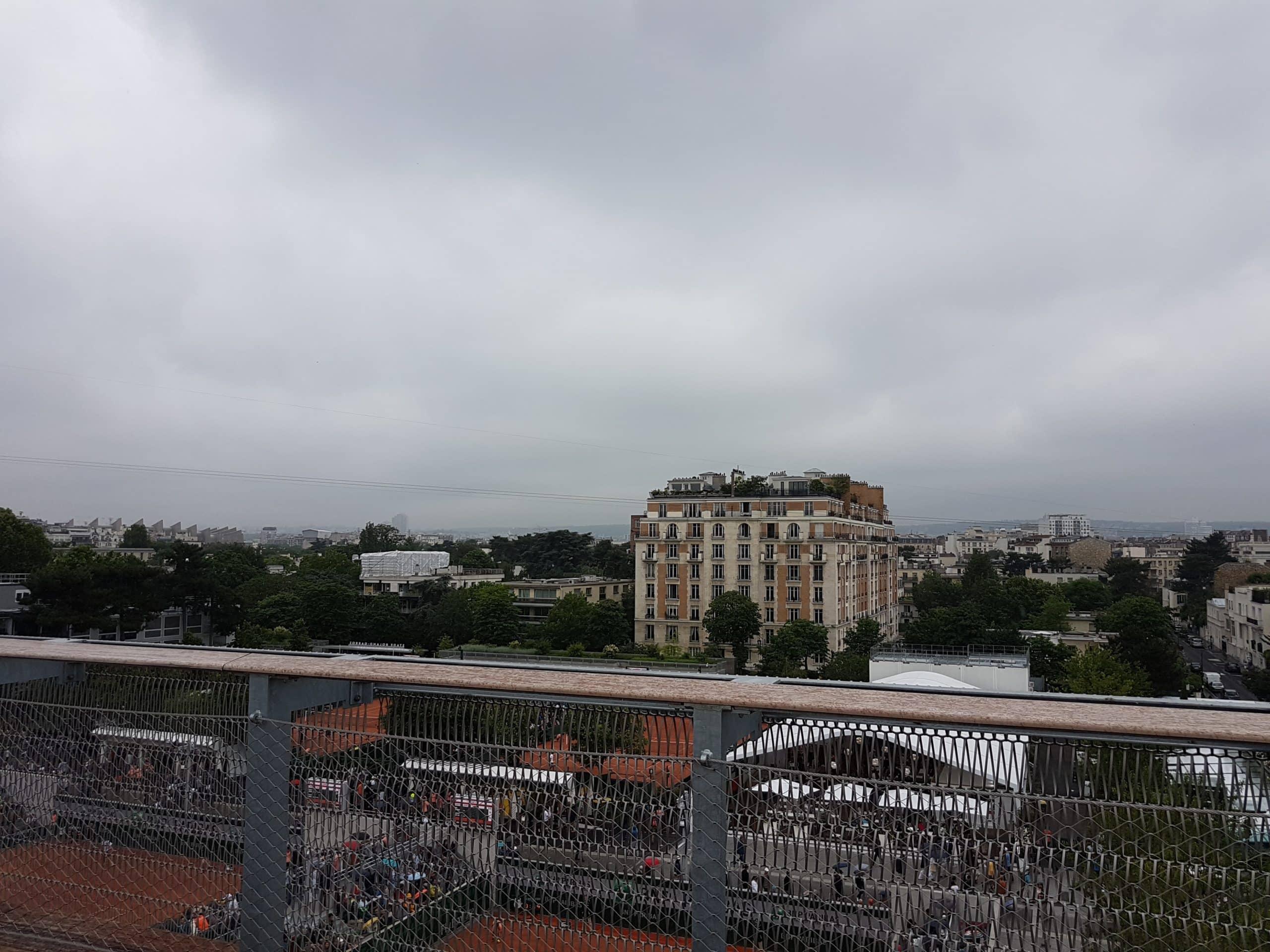 Sur le toit du Village, vers le boulevard d'Auteuil.